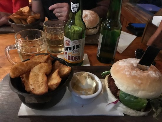 Peppers Cradle Mountain Lodge Tavern Bar  Bistro - Accommodation Redcliffe