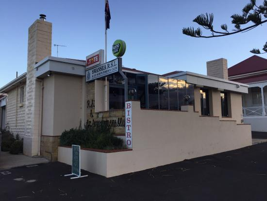 Swansea RSL Bistro - Accommodation Redcliffe