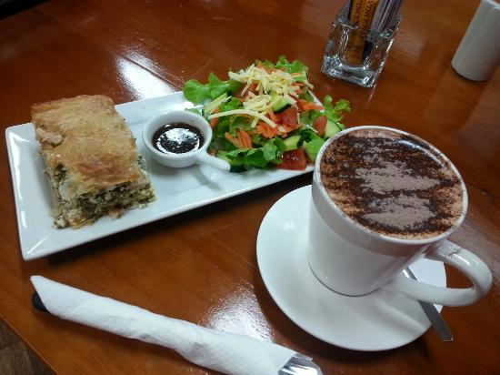 Killing Time with Coffee - Accommodation Redcliffe