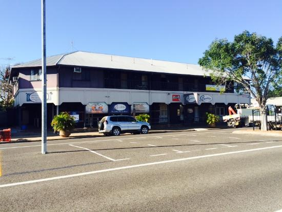 The Burdekin Hotel Restaurant - Accommodation Redcliffe