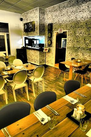 The Swae  Ivy - Bar  Restaurant - Accommodation Redcliffe