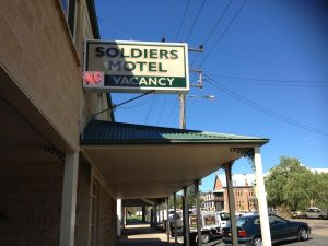 Soldiers Motel - Accommodation Redcliffe