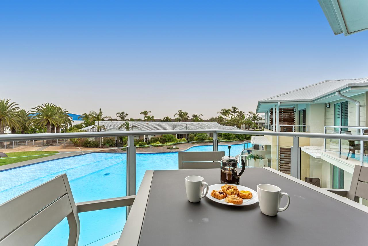 Pacific Blue Apartment 278 265 Sandy Point Road - Accommodation Redcliffe