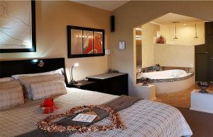 Romantic Getaways at Riverview Rise Retreats - Accommodation Redcliffe