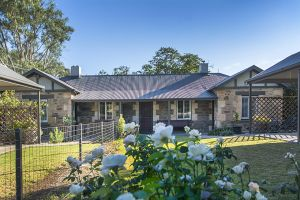 Stoneleigh Cottage Bed and Breakfast - Accommodation Redcliffe