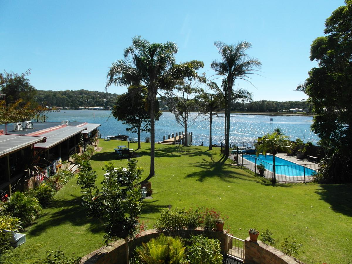 Lake Edge Apartments - Accommodation Redcliffe