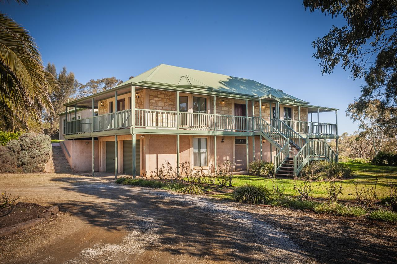 Lindsay House Homestead - Accommodation Redcliffe