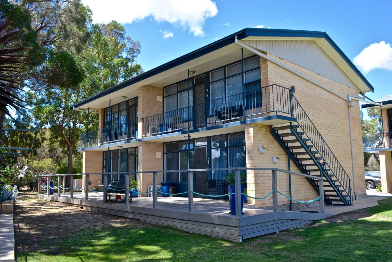 Longbeach Apartments - Accommodation Redcliffe