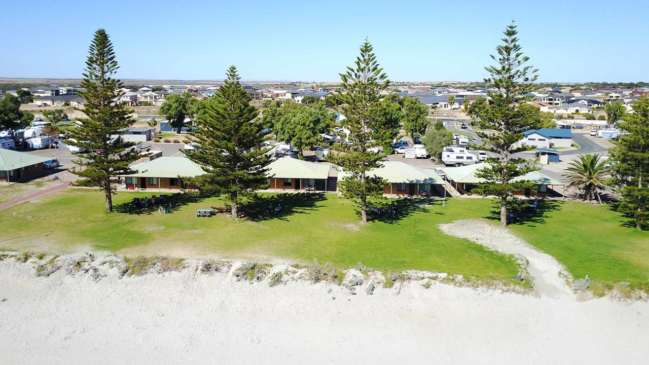 Wallaroo Holiday Park - Accommodation Redcliffe