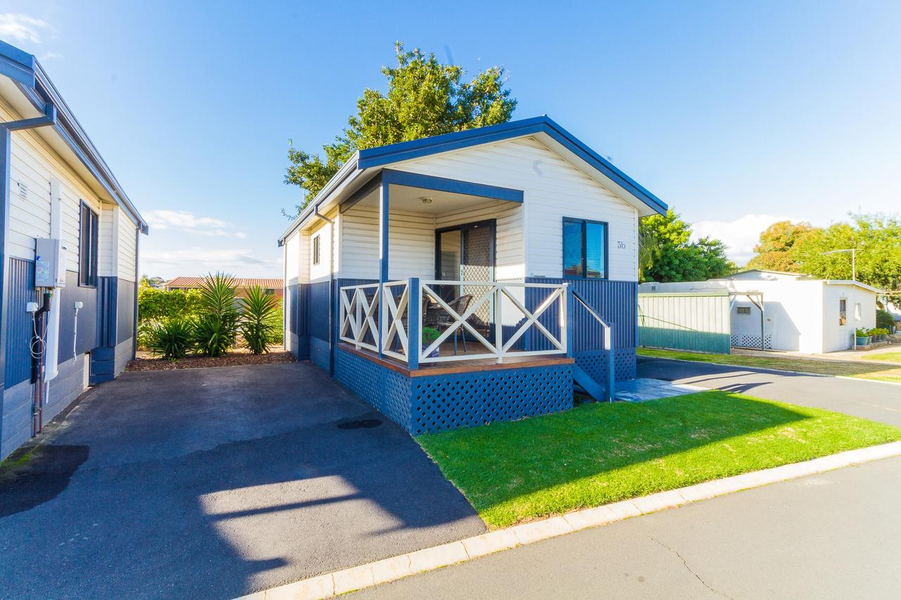 Riverside Cabin Park - Accommodation Redcliffe