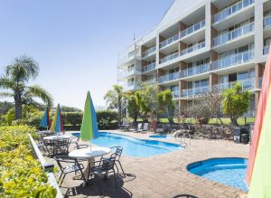Marina Resort - Accommodation Redcliffe