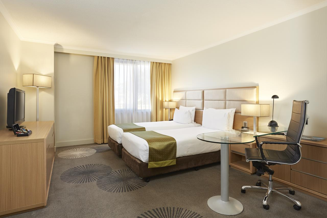 Holiday Inn Parramatta - Accommodation Redcliffe