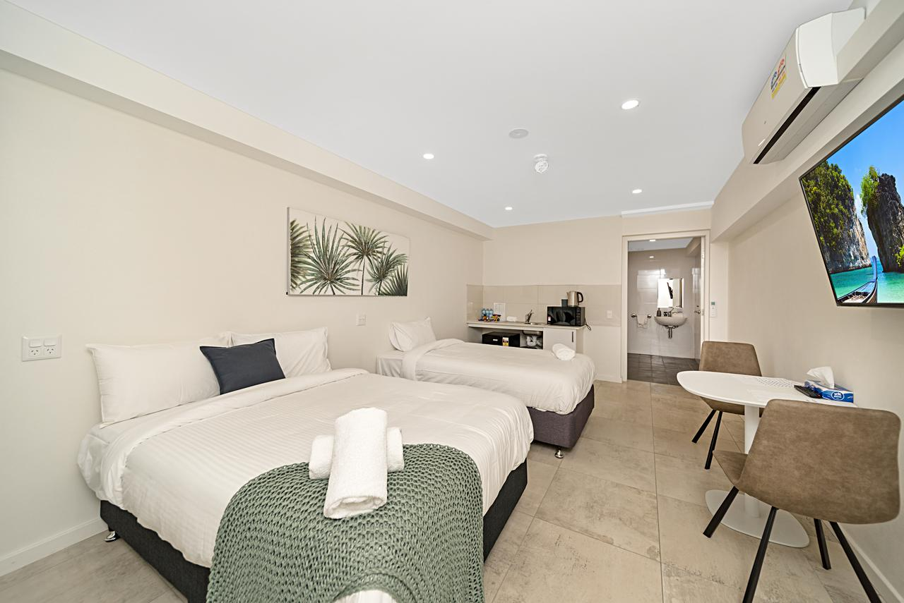 Carlton Suites - Accommodation Redcliffe