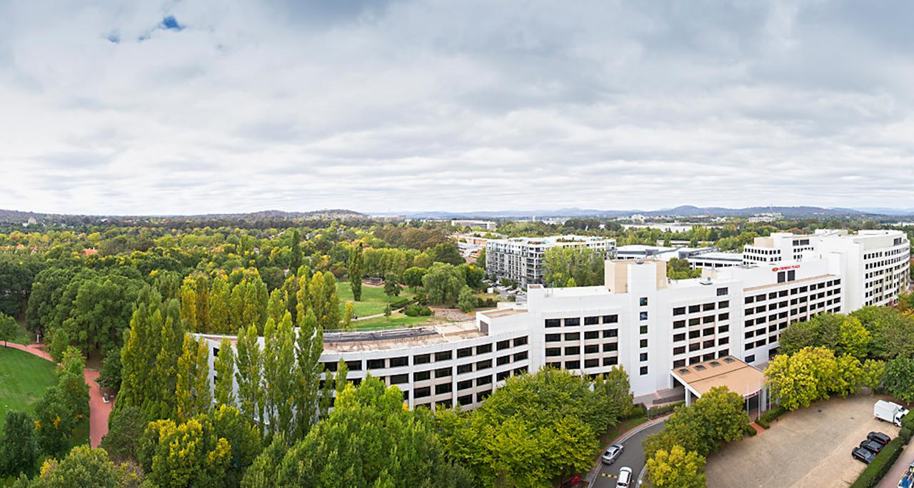 Crowne Plaza Canberra - Accommodation Redcliffe