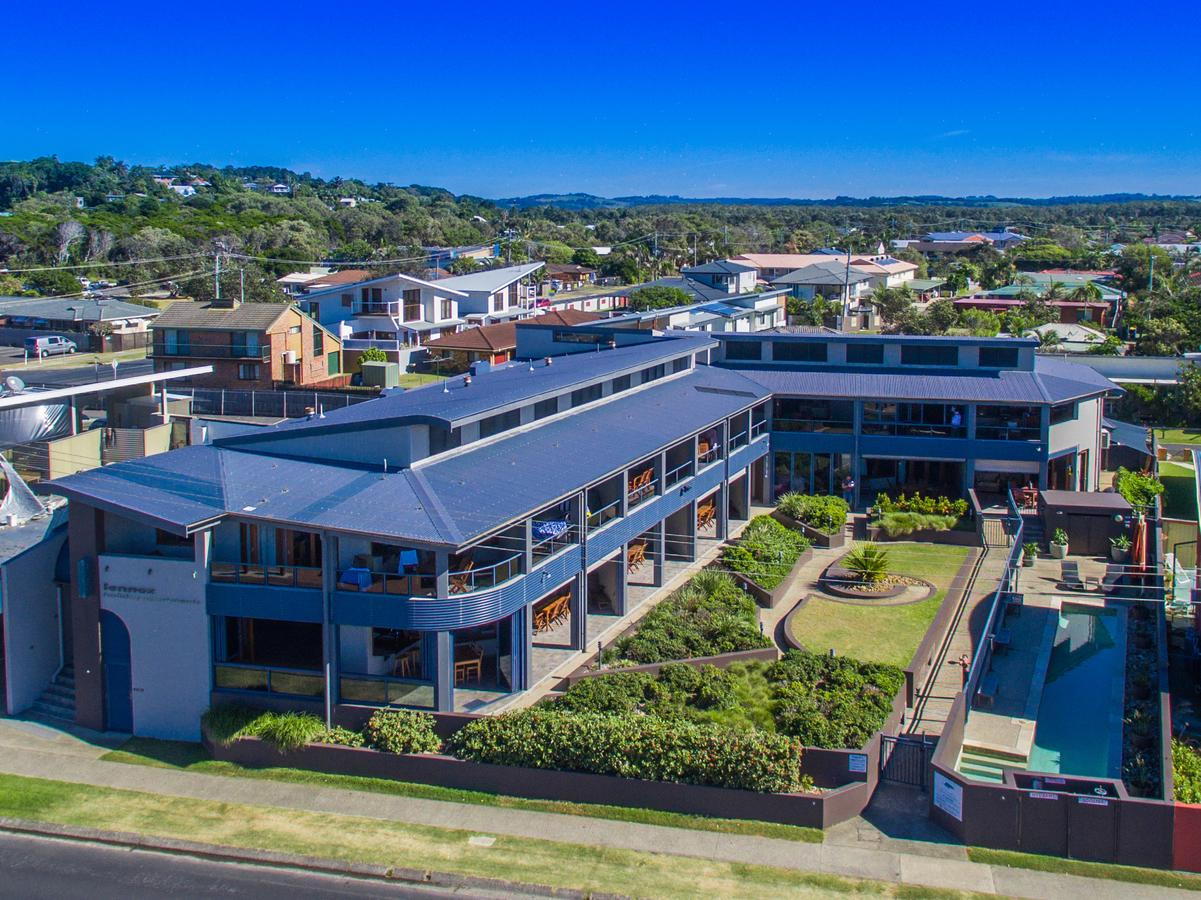Lennox Holiday Apartments - Accommodation Redcliffe
