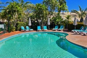 Cable Beach 1 bed RESORT apartment private Wifi - Accommodation Redcliffe