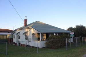 Dillons Cottage - Accommodation Redcliffe