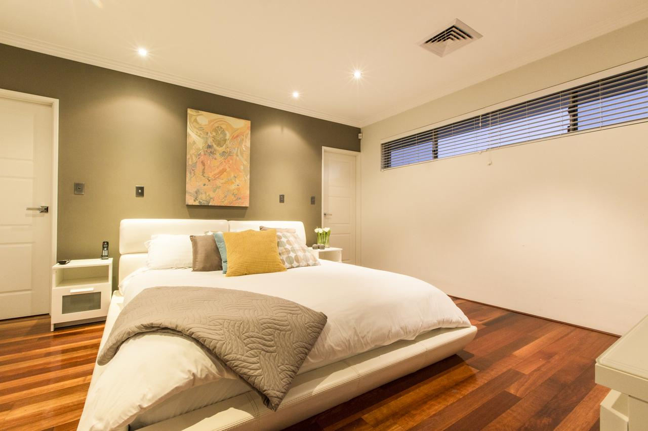Ambar Villa Between City and Freo - Accommodation Redcliffe