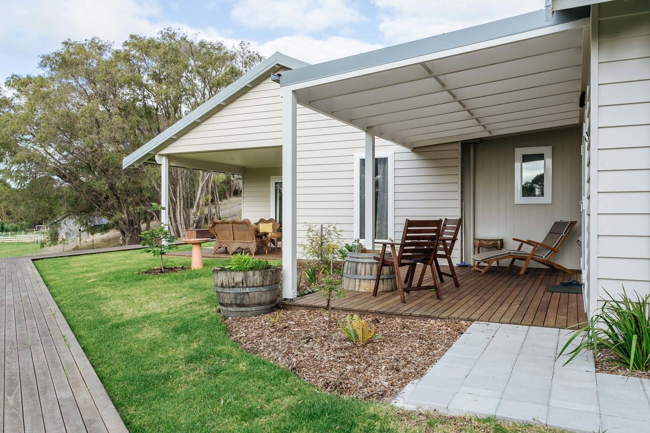 Stablebase - Accommodation Redcliffe