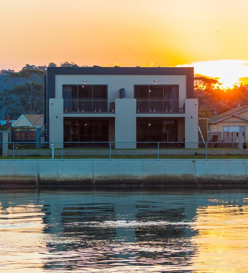 Ulverstone Waterfront Apartments - Accommodation Redcliffe