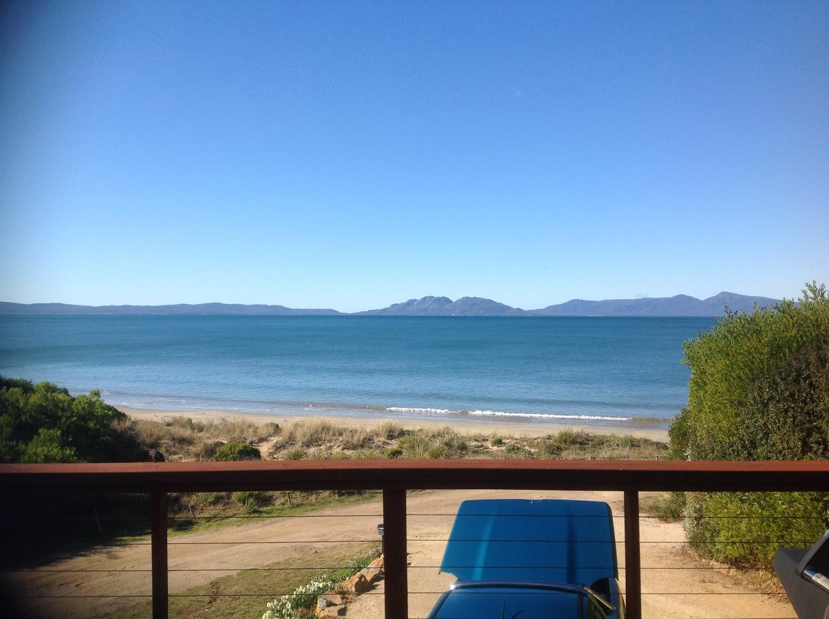 Swansea Beach House Oceanfront - Accommodation Redcliffe