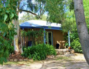 Rose Cottage - Accommodation Redcliffe