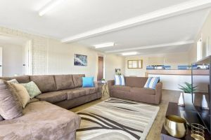 SEASIDE SERENITY 2 - L'Abode Accommodation - Accommodation Redcliffe