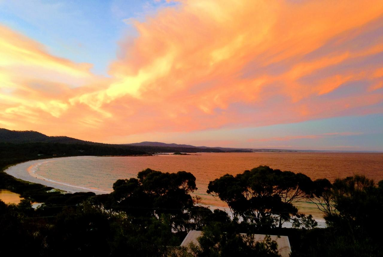 DOLPHIN LOOKOUT COTTAGE - amazing views of the Bay of Fires - Accommodation Redcliffe