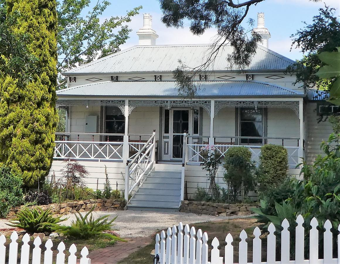 Fairbank House - Accommodation Redcliffe