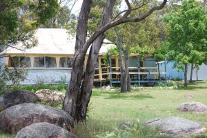 Twisted Gum Vineyard Cottage - Accommodation Redcliffe