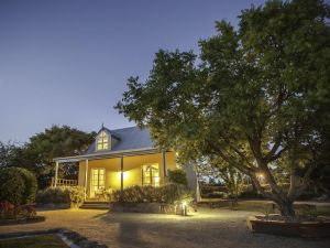 Vineyard Cottages - Accommodation Redcliffe