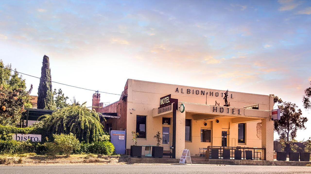 Albion Hotel and Motel Castlemaine - Accommodation Redcliffe