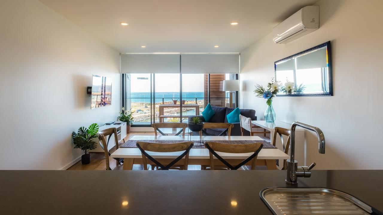 Waterfront Apt 234 Marinaquays - Accommodation Redcliffe
