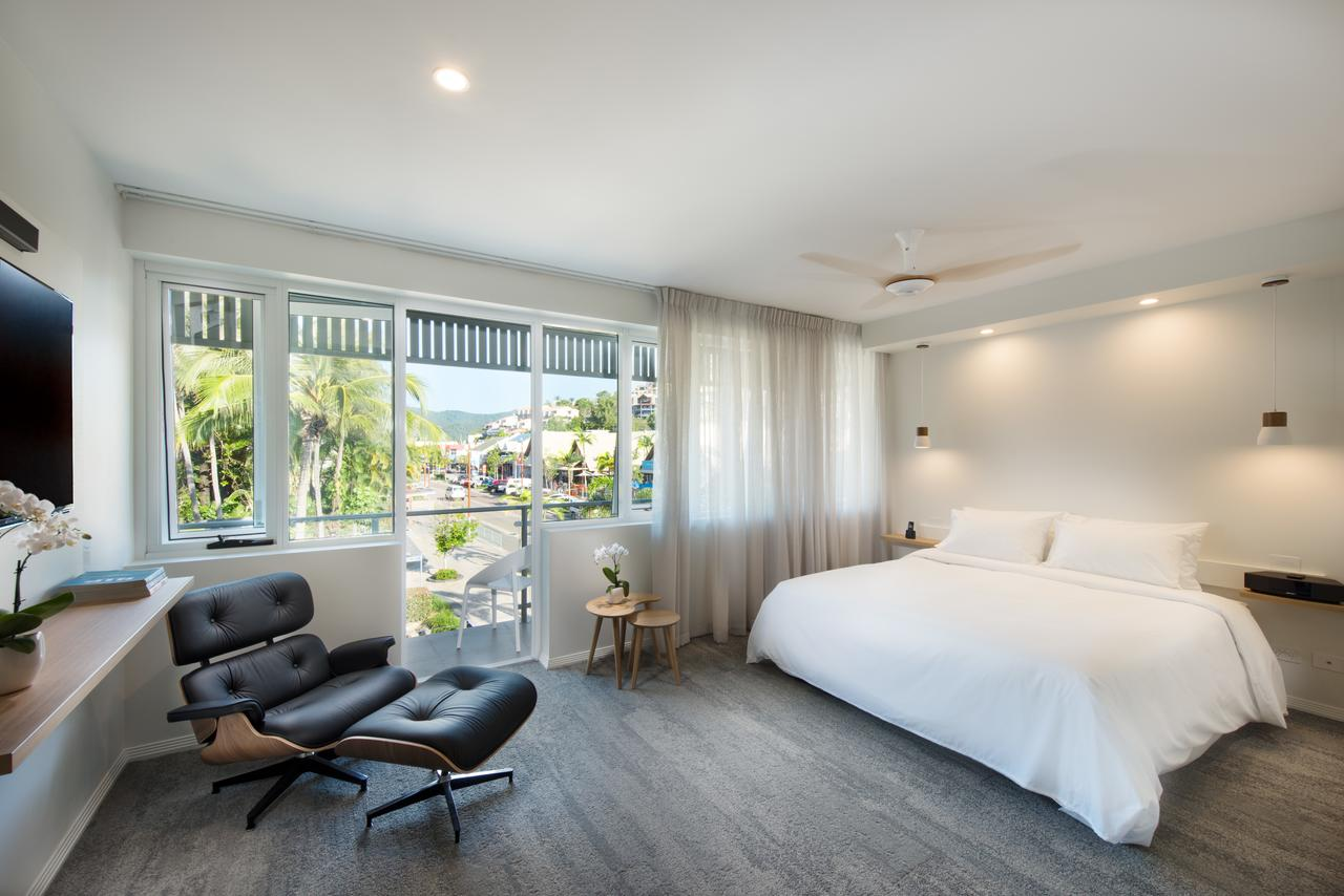 Heart Hotel and Gallery Whitsundays - Accommodation Redcliffe