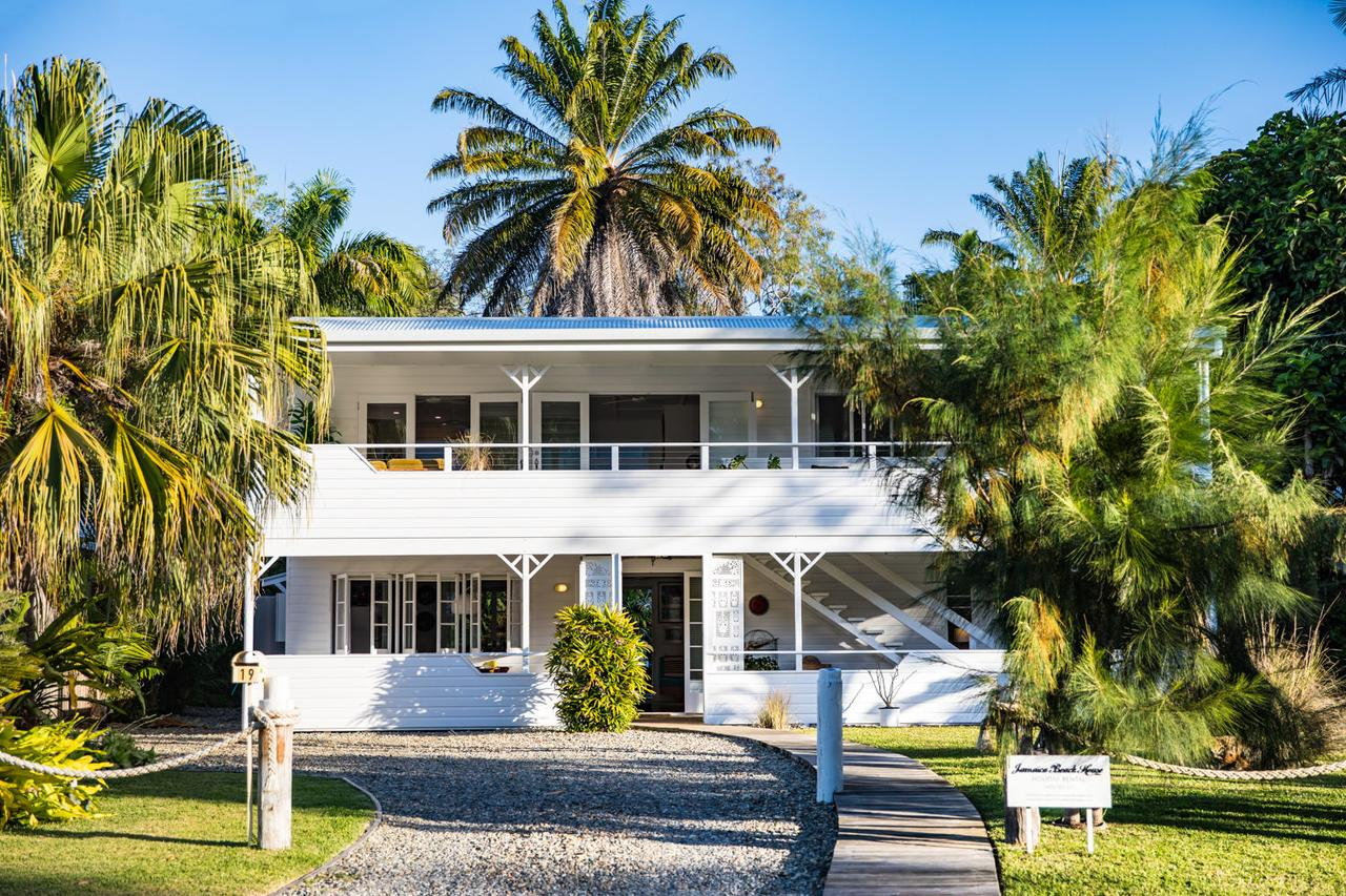 Jamaica Beach House - Accommodation Redcliffe