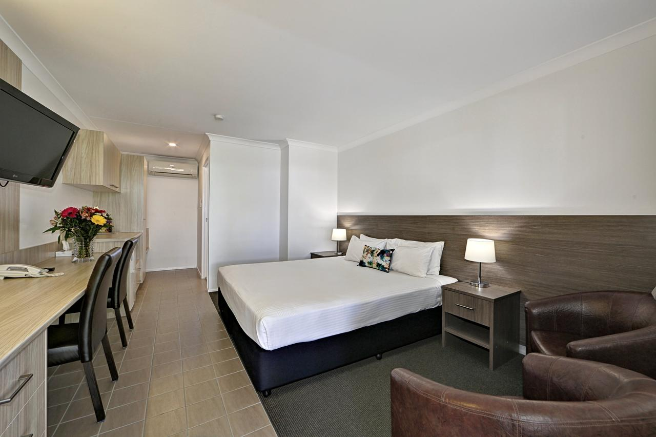 Smart Motels Bert Hinkler - Accommodation Redcliffe