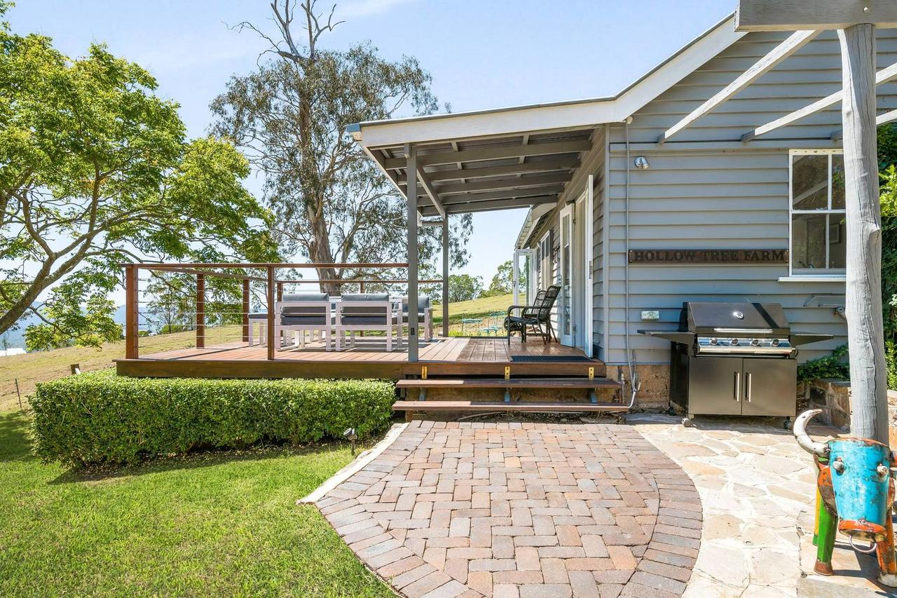 Hollow Tree Farm - Accommodation Redcliffe