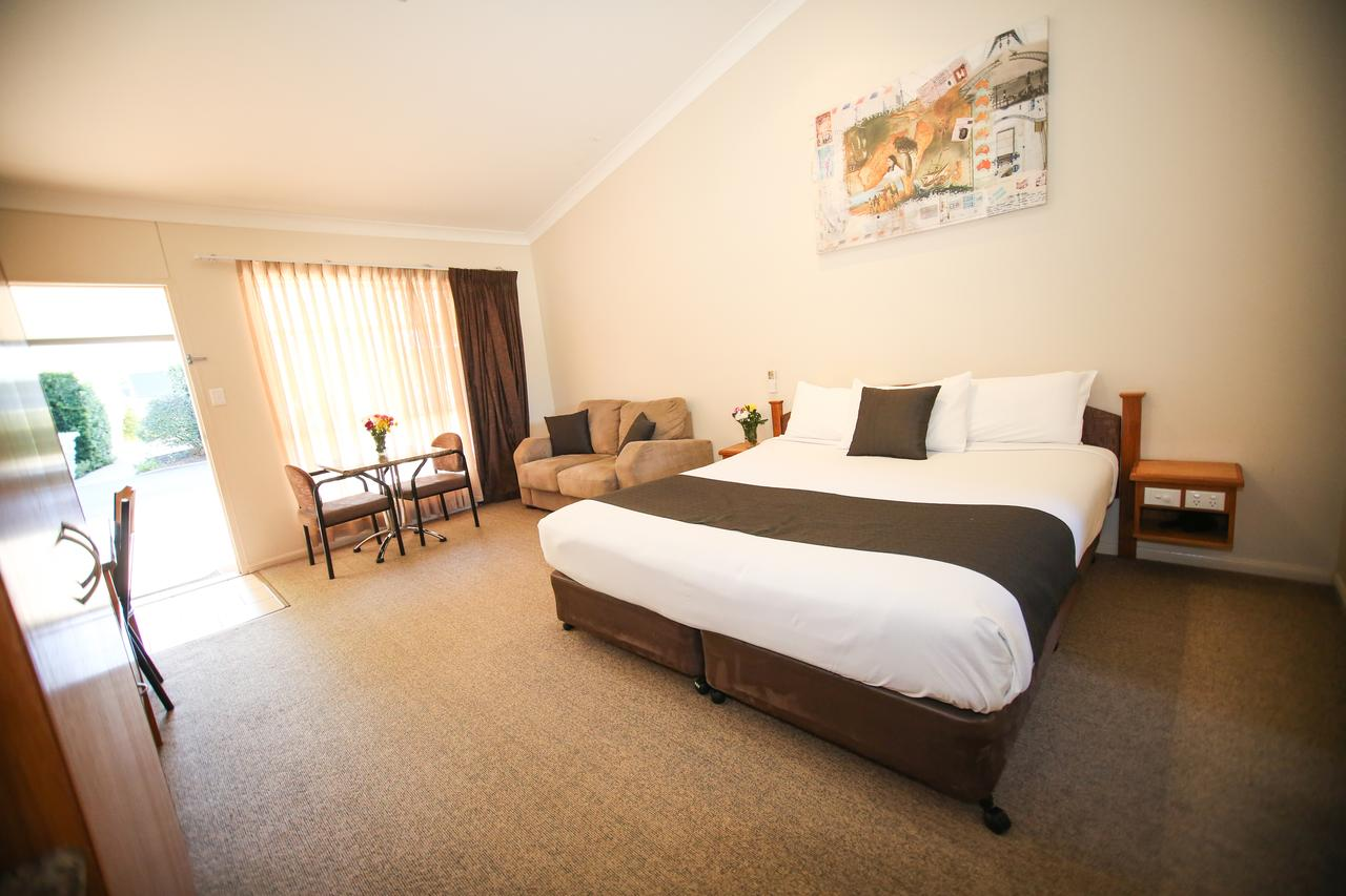 Roma Explorers Inn - Accommodation Redcliffe